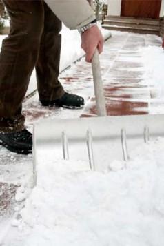 Push snow instead of lifting it