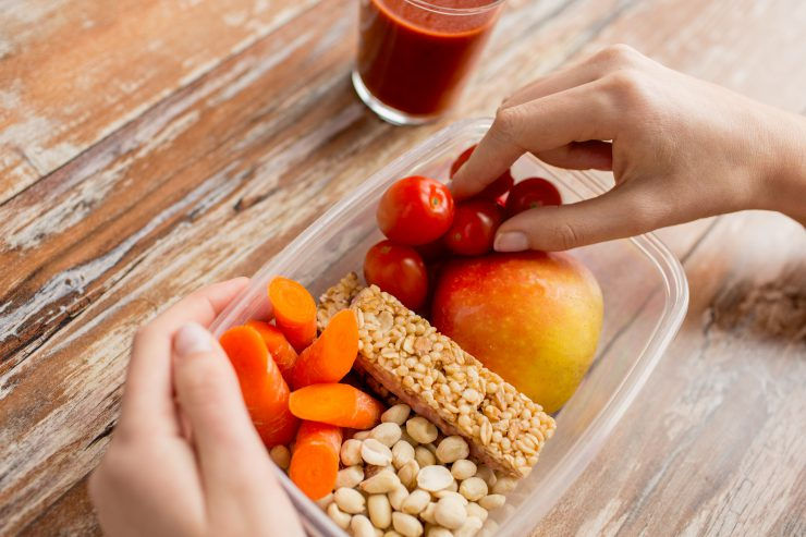 Learn how to make healthy lunches.