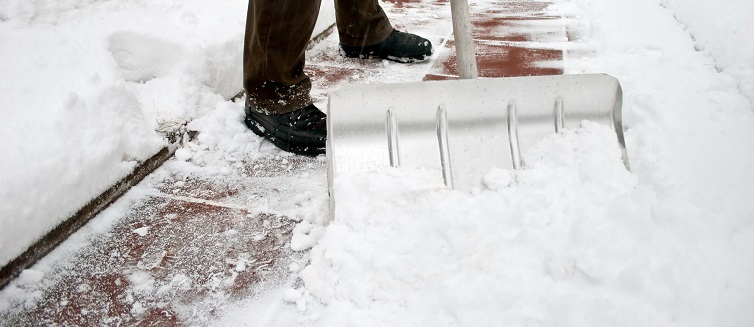 Tips for snow safety