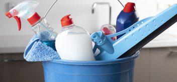 不要消费或注射家用清洁剂来治疗COVID-19