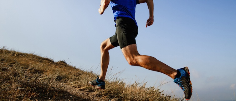 Community-Oriented Runner Trains with Sports Performance